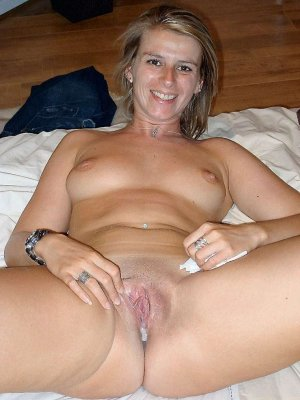 Rasmia mature escort in Gründau, HE