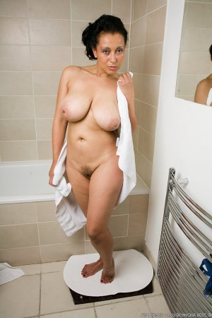 Saphire mature erotische massage in Melsungen, HE